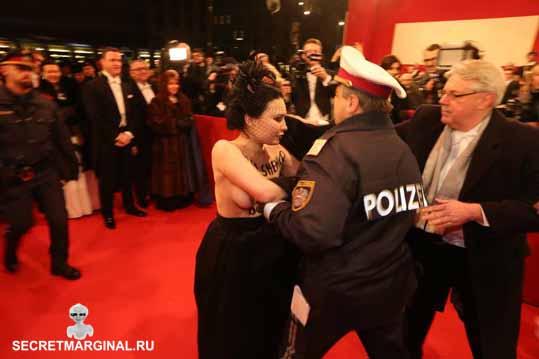 Femen против Порошенко