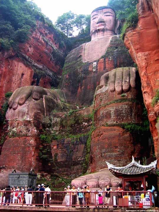 Будда в горе